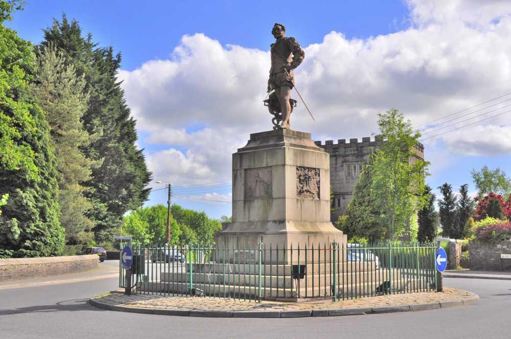 Statue of Sir Francis Drake at Tavistock