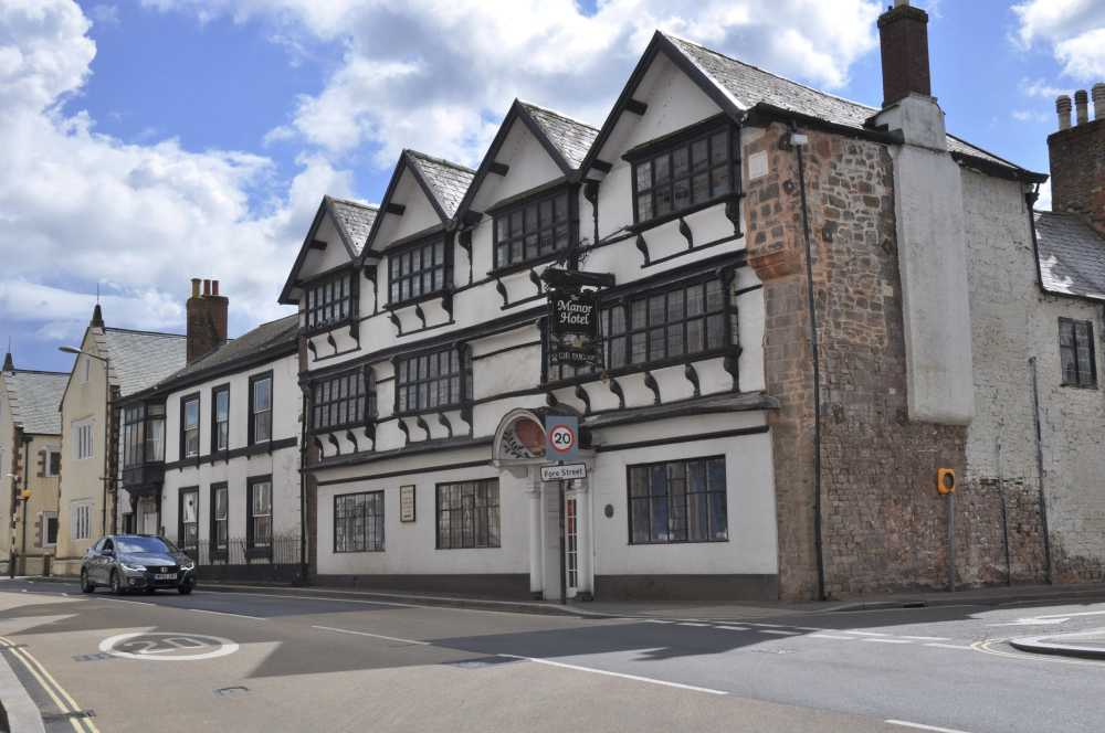 The Manor pub, Cullompton