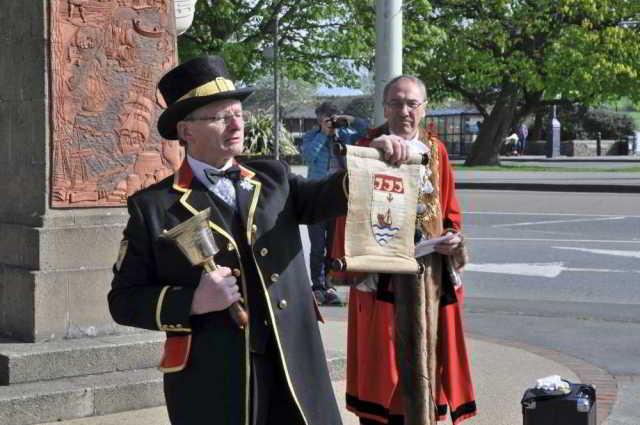 Bideford Town Crier and the Mayor of Bideford