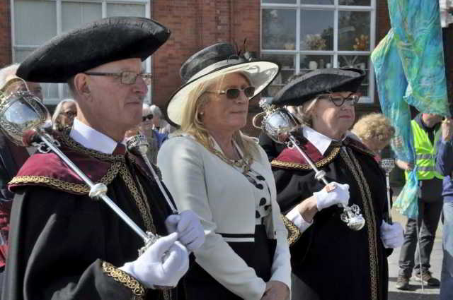 Bideford Beadle, Mayoress, and Mace Bearer